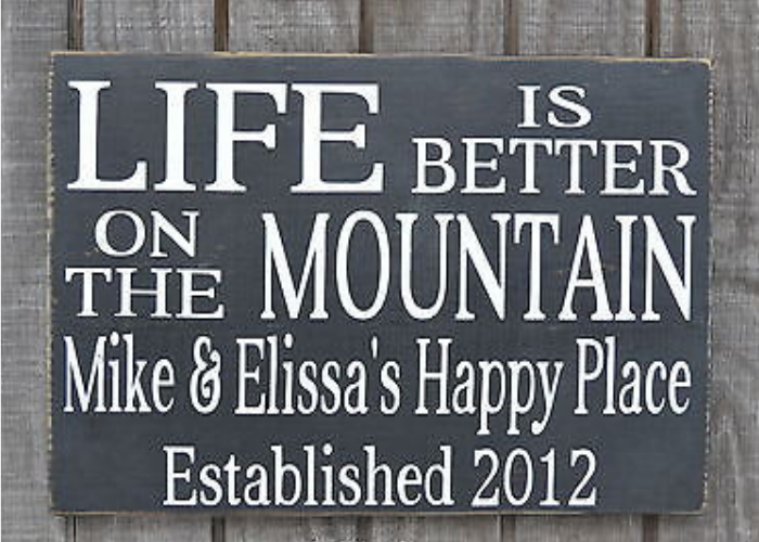 Mountain House Decor, Life Is Better On At The Mountains Sign Personalized Family Last Name Sign, Happy Place Signs, Rustic Cabin Lodge Decor