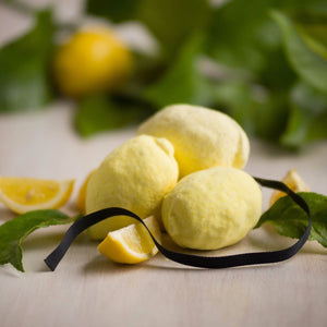 relaxing bath bomb with lemon fragrance
