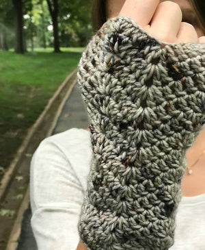 Waved Arm Warmers by Mon Petit Violon