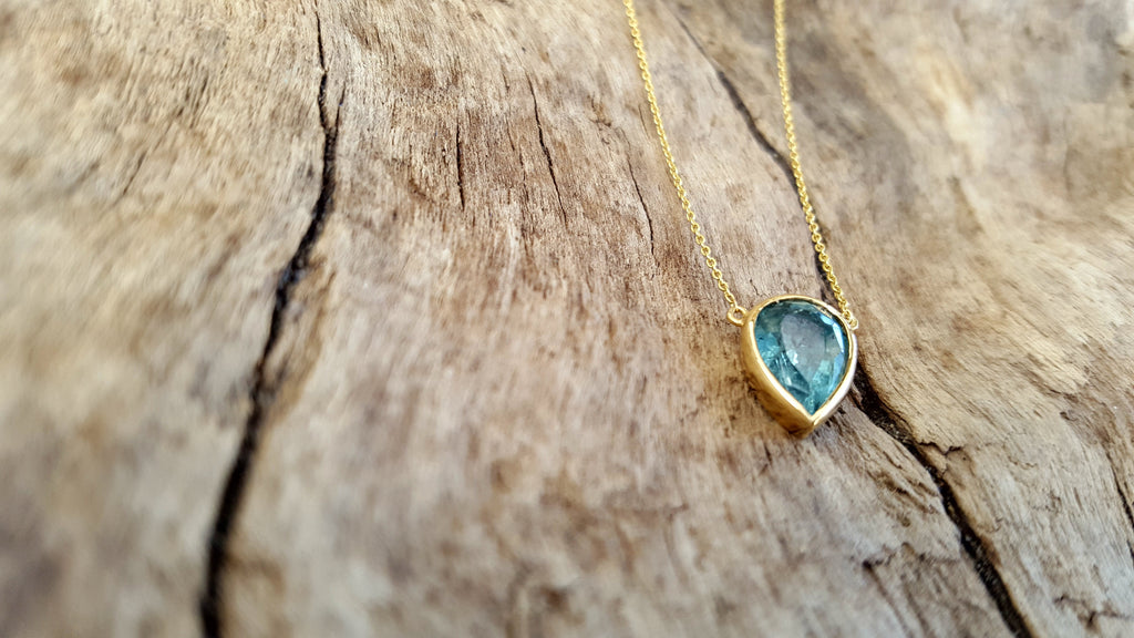Aquamarine Necklace set in 14kt yellow gold