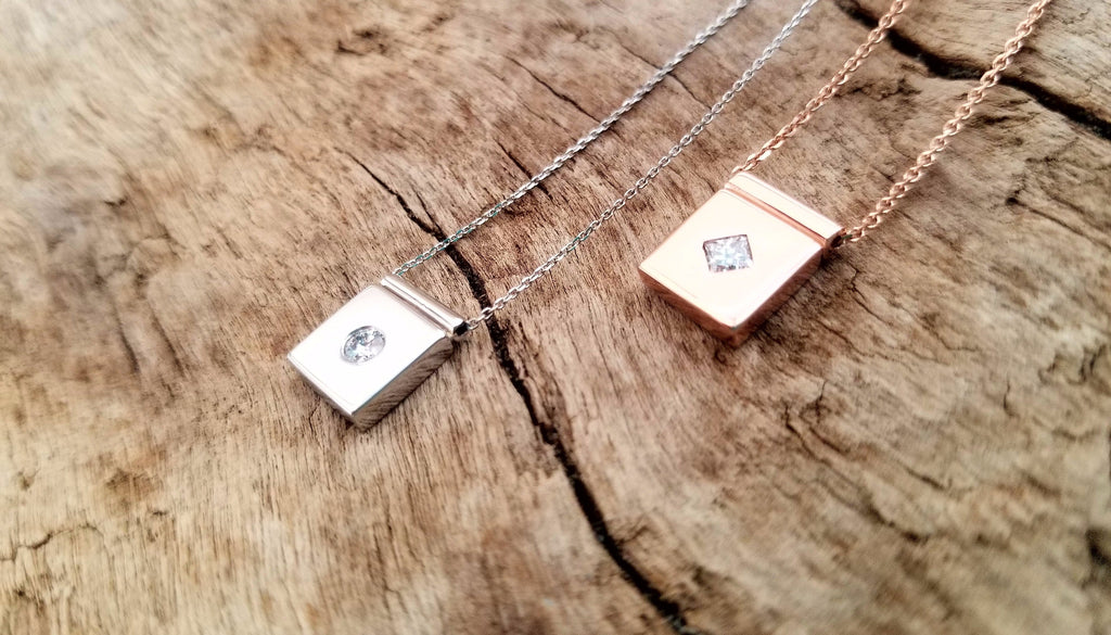 rectangular gold necklace with diamond. gold and diamond necklace