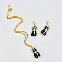 Load image into Gallery viewer, Red Wool Dress-Up Hat