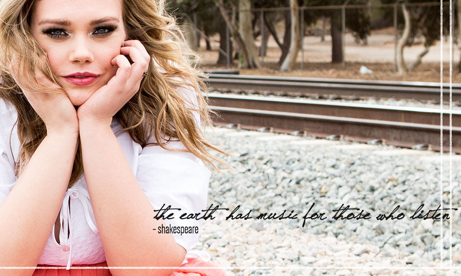 The Earth has music | plus size fashion