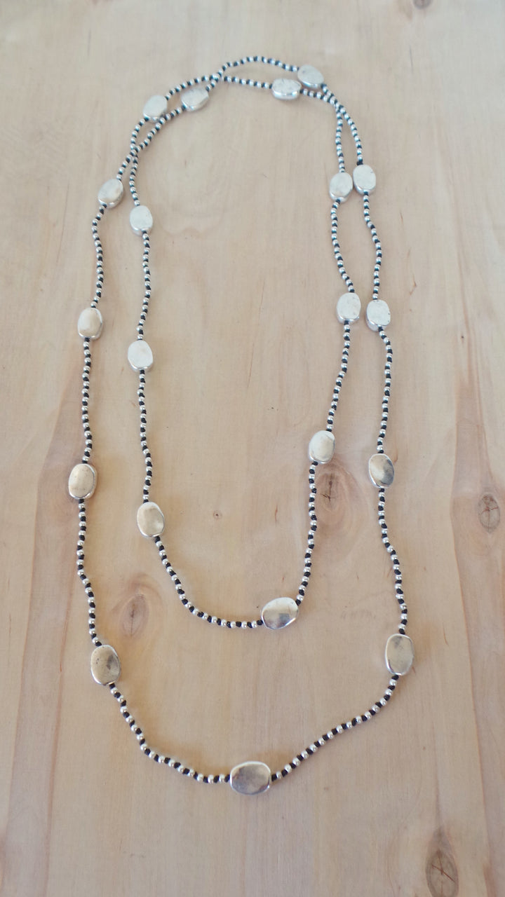 Alloy Layer Hammered Oval Necklace
