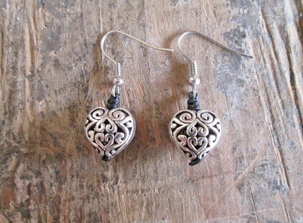 Bali Queen Wholesale silver rhodium based alloy metal filigree heart earrings.  Made in Bali, Hypoallergenic, Tarnish resistant. Vegan.