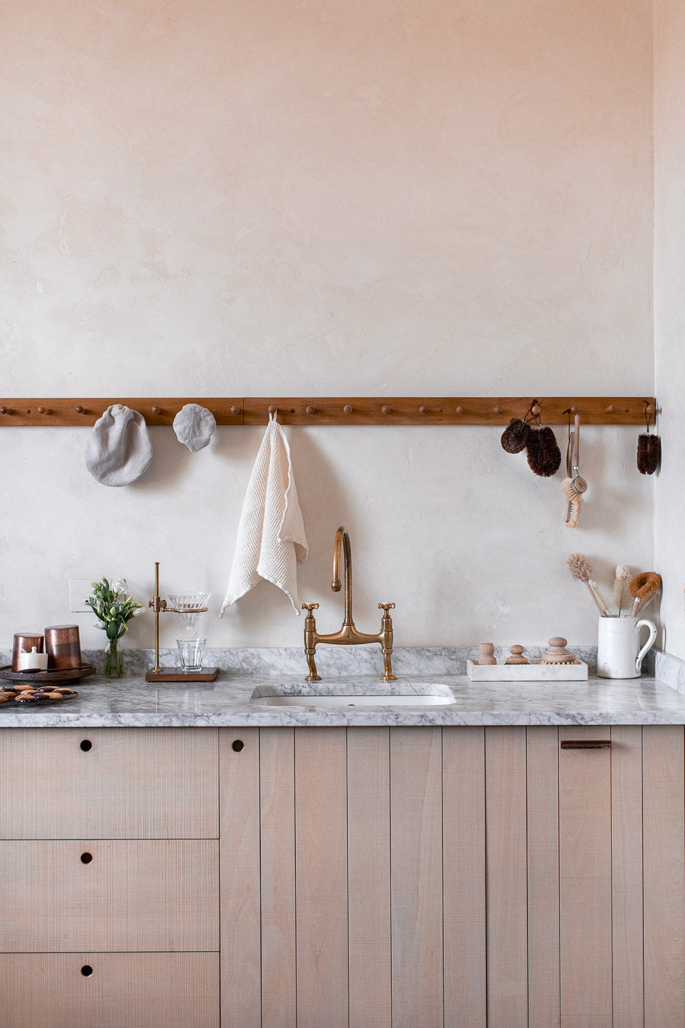 natural kitchen accessories for a plastic free kitchen