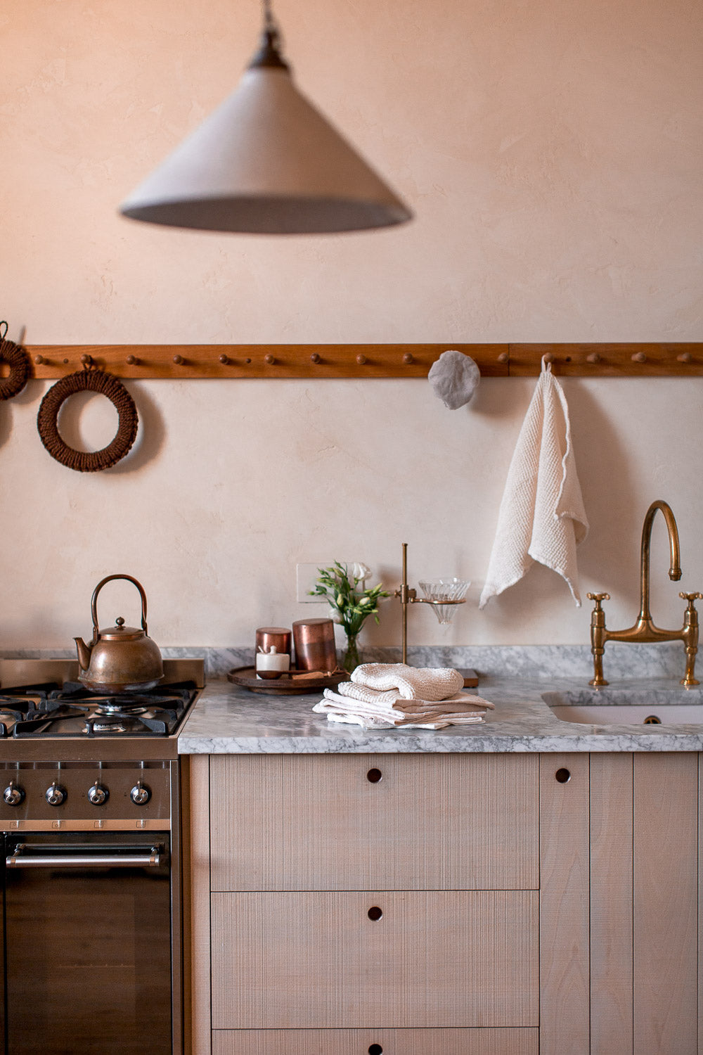 natural kitchen towels in linen and organic cotton