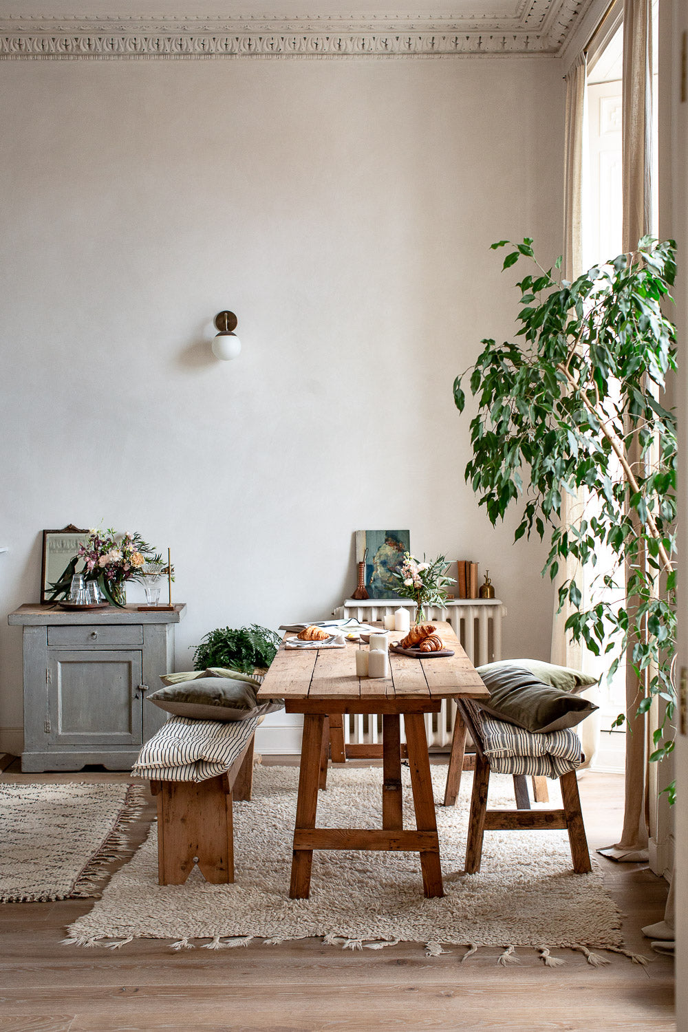 natural timeless dining room