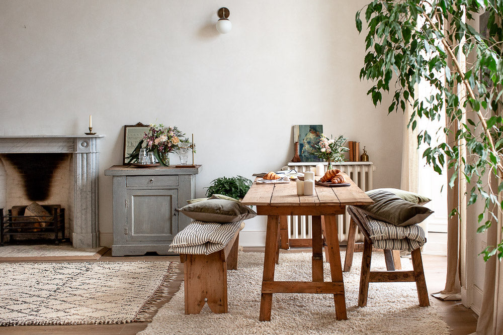 simple natural modern rustic dining room decor