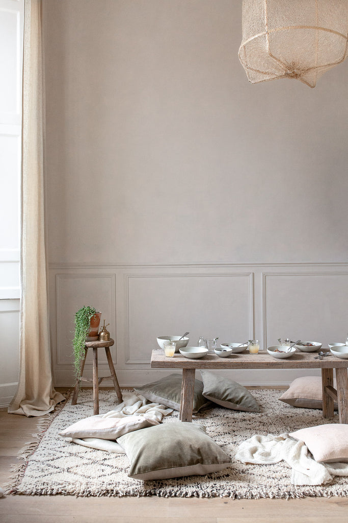 natural breakfast table in soft pastel colours