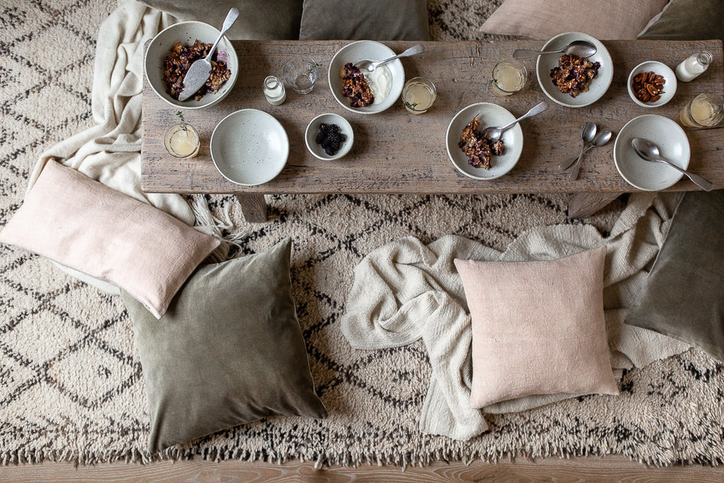 natural breakfast table in pastel colours and natural materials