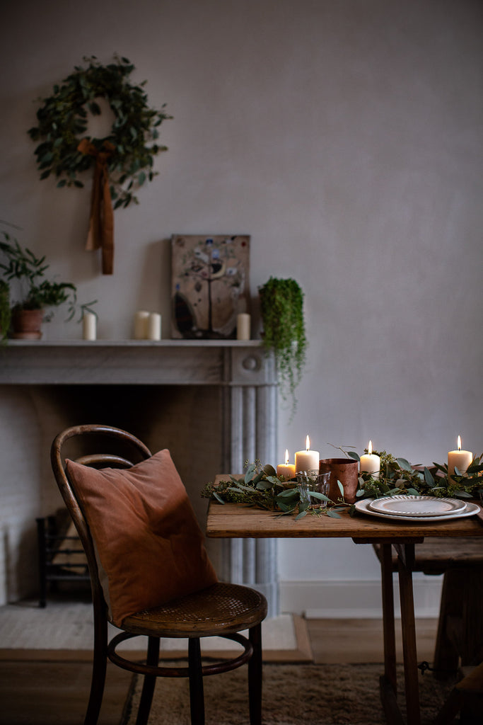 simple natural Christmas table decorations