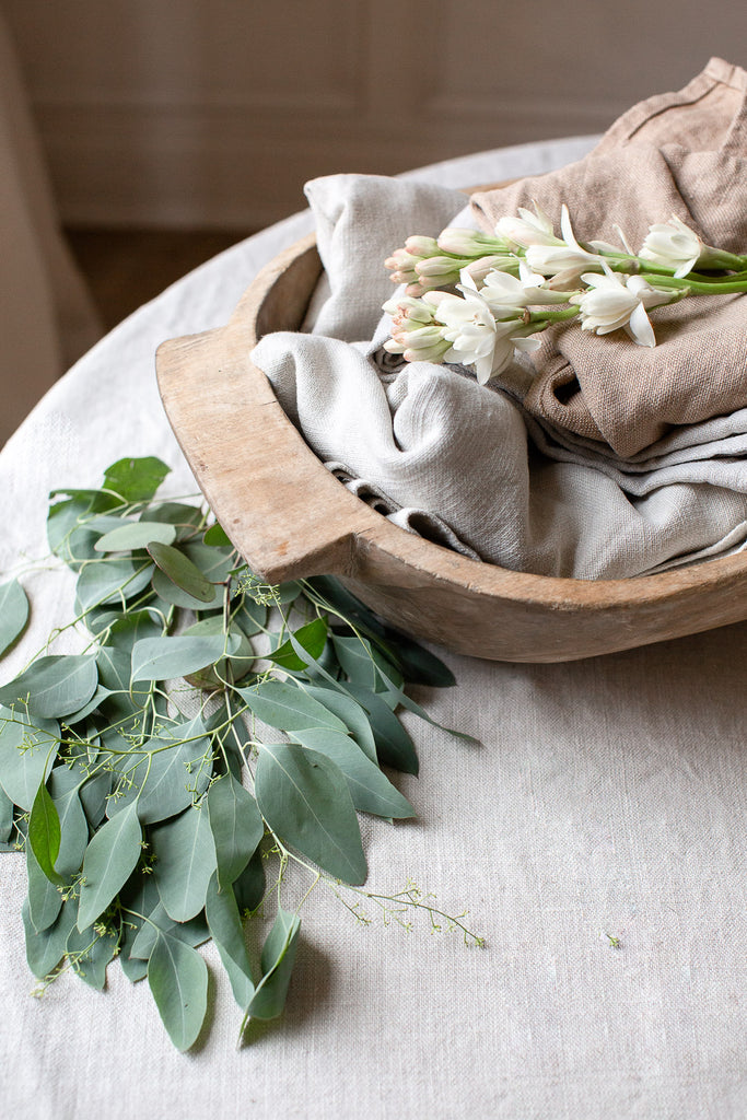 Sustainably made Belgian linen napkins in neutral colours