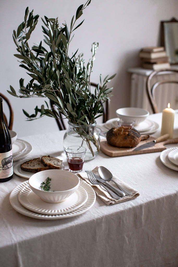 simple natural dinner party table