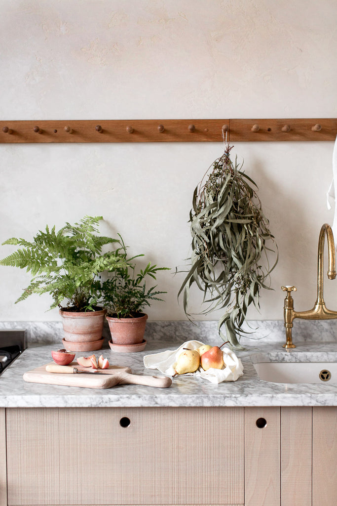 Natural kitchen decor for a natural home