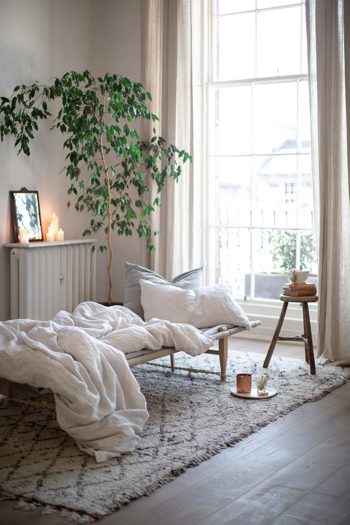 simple natural home decor with linen and natural materials
