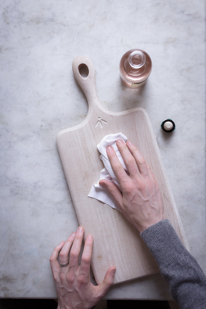 How to properly care for wooden kitchen items and cutting boards