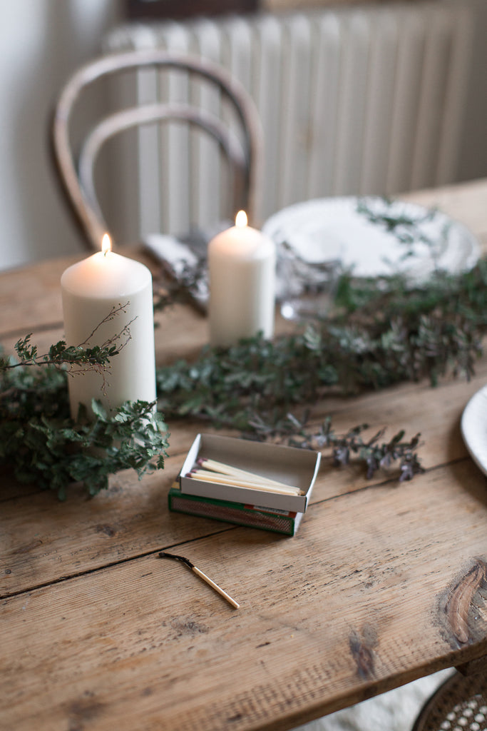 simple natural table decor