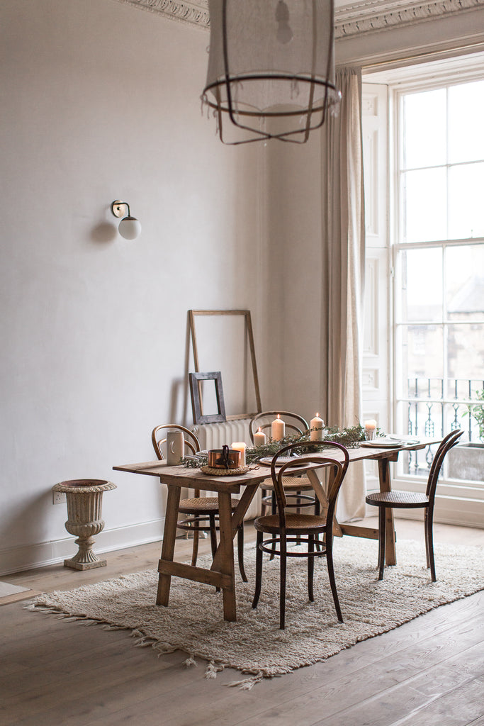 dining room in natural materials and neutral colours