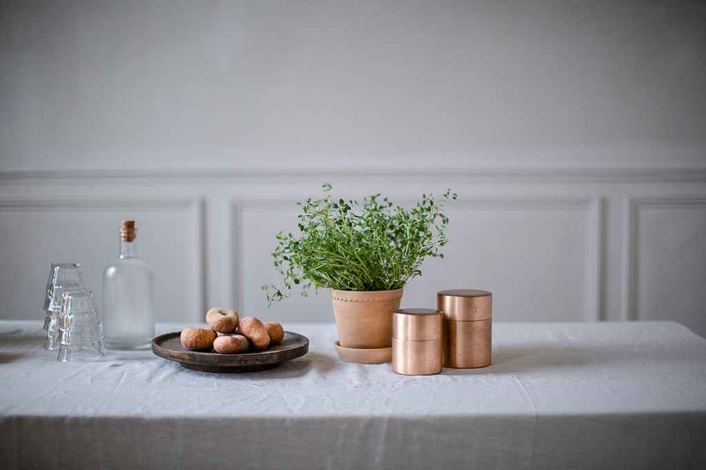 natural sustainable home decor with plants