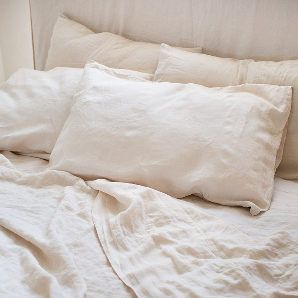 HANDMADE LINEN PILLOWSLIP SET IN WARM WHITE