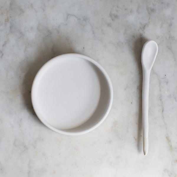 SIMPLE DISH AND SPOON