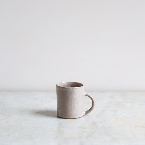 HAND FORMED CUP IN GREY