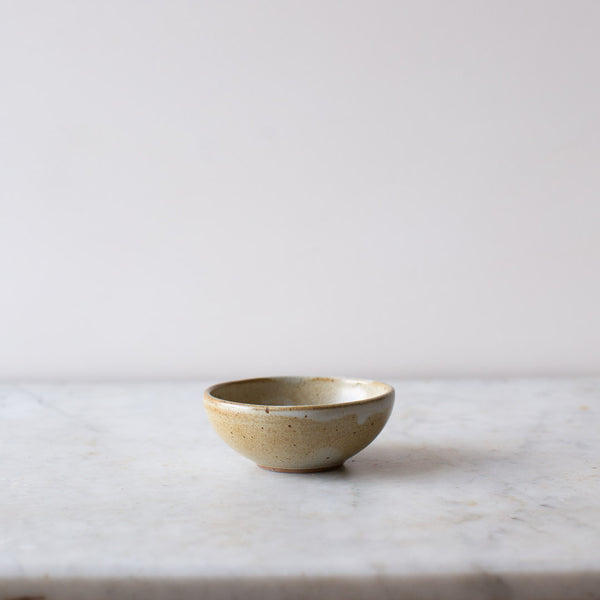 HANDMADE PETITE BOWL IN FIG