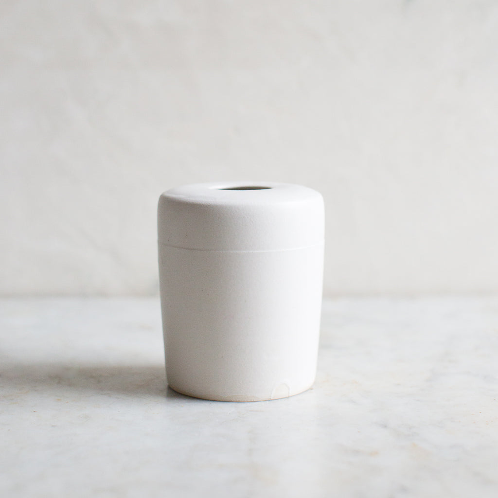 INGREDIENTS LDN simple matte white vase
