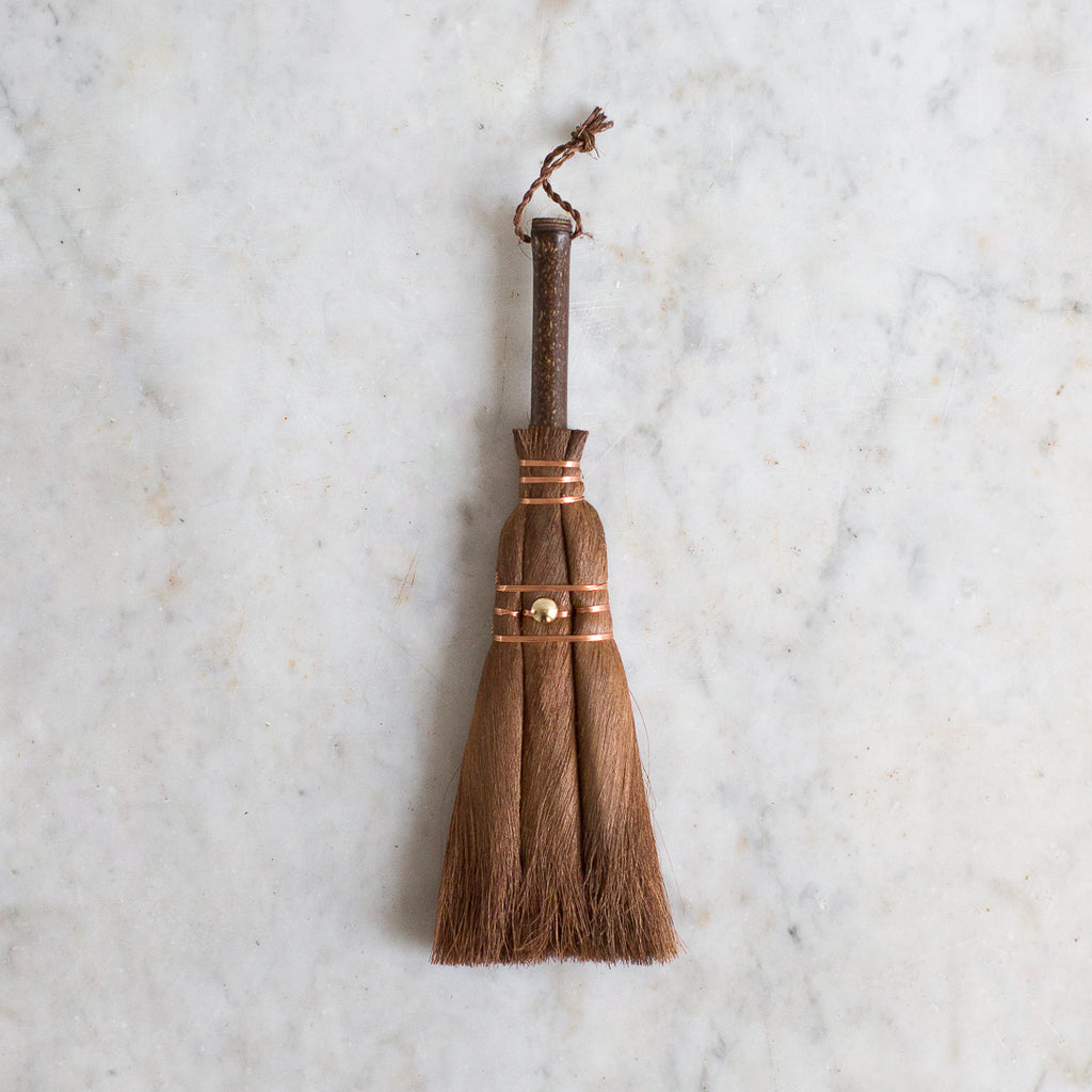Japanese palm leaf koji shuro broom UK