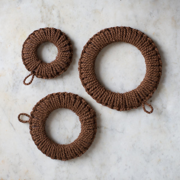 NATURAL SHURO PALM TRIVETS