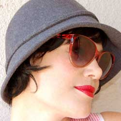 ABELIA Red Cat-Eye Sunglasses