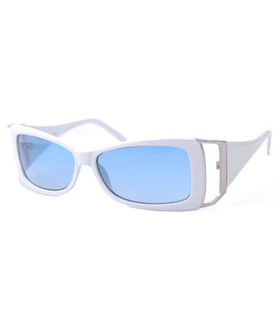 fash on white sunglasses