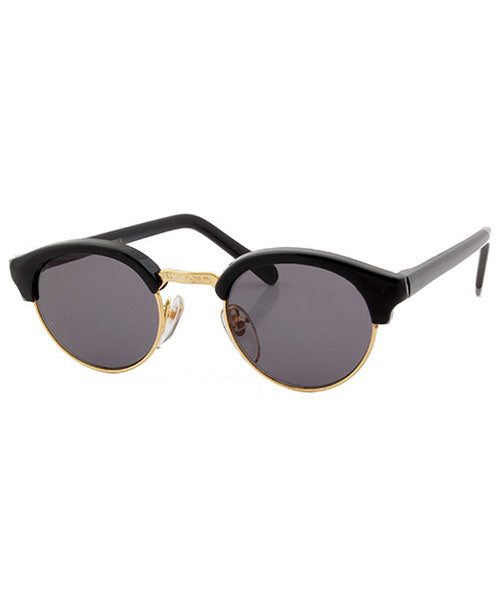 freshmen black sunglasses
