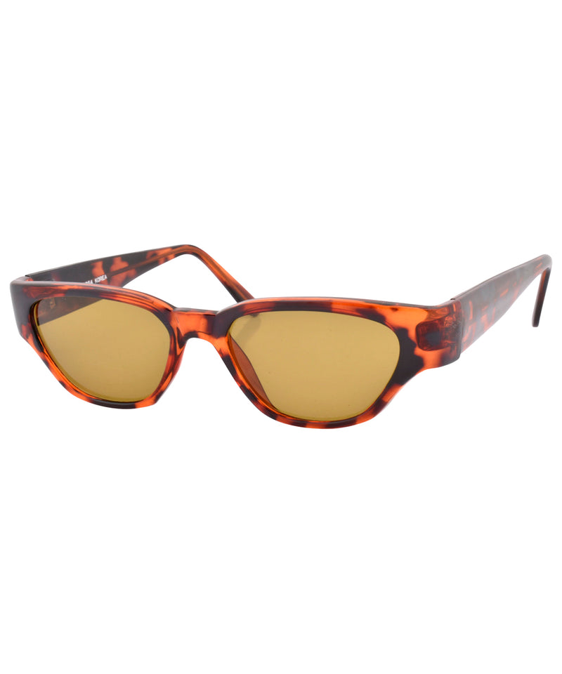 greatness demi brown sunglasses