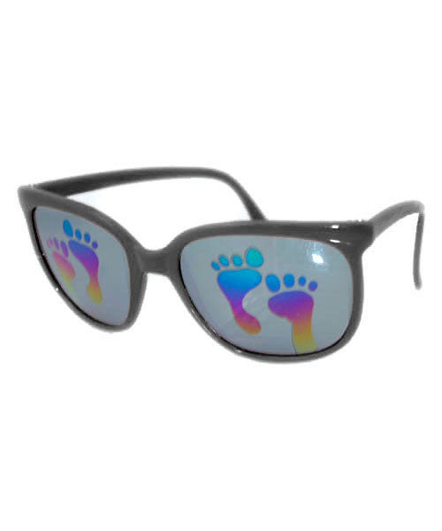toes black sunglasses