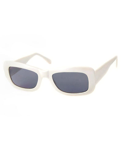 kitten pearl sunglasses