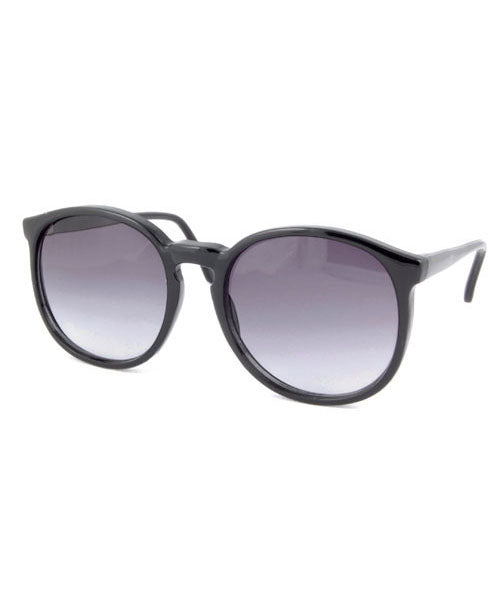la favorita black sunglasses