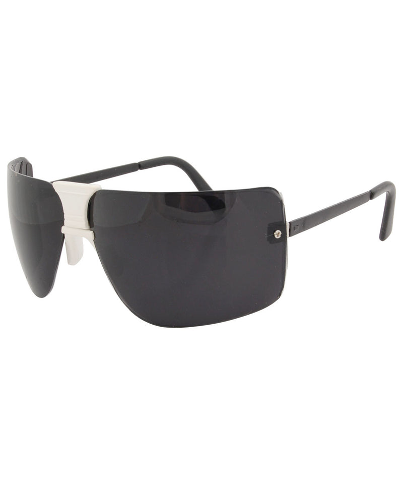la woman white black sunglasses