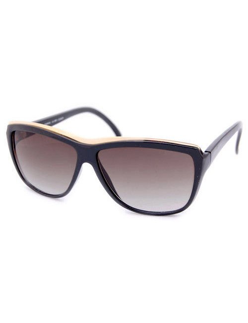 giraffe black sunglasses