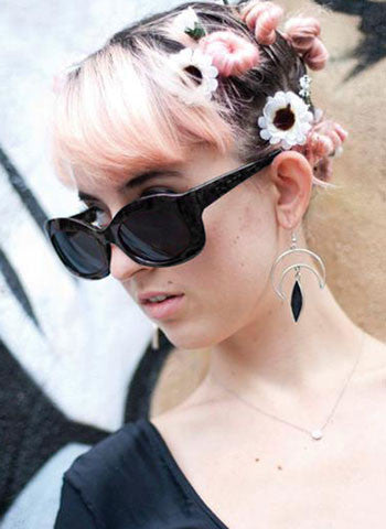peaches black sunglasses