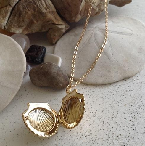 Seashell Locket Necklace - Gold