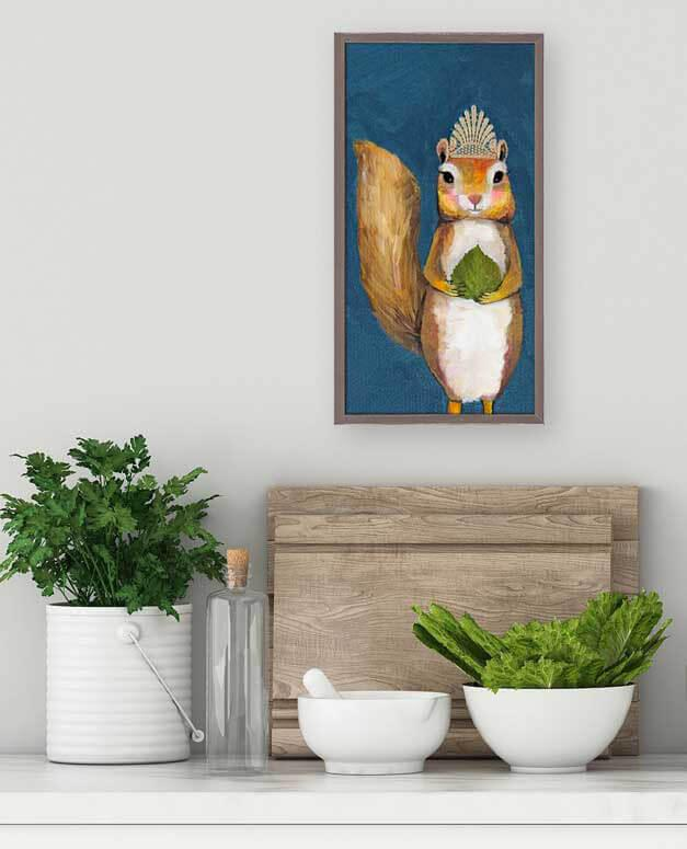 Squirrel King Wall Decor