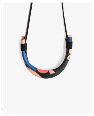 Ardor Necklace - Living Room