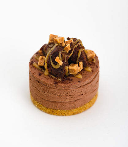 French Village Caramel Stuffed Chocolate Brownie Cheesecake Dessert Pot