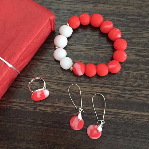 Red jewellery gift set
