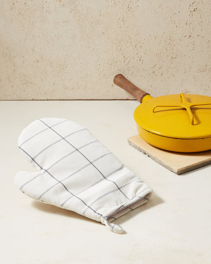 Cream Grid Oven Mitt