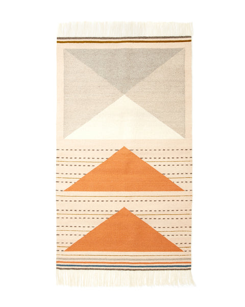 Wild Geese Rug in Peach