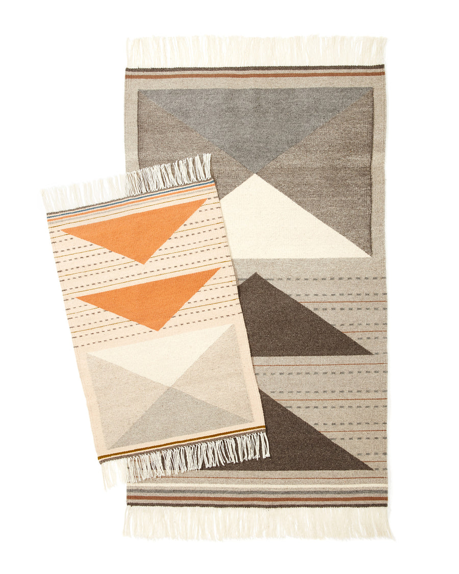 MINNA Wild Geese Rugs in Peach and Grey