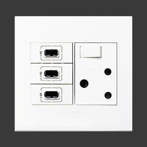 Arteor Single Switched Socket, 3 x USB Sockets - White